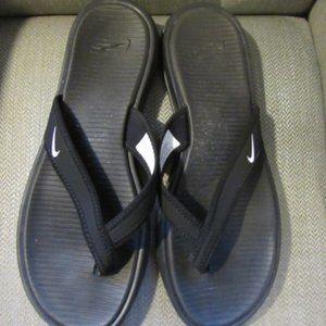 Nike black flip flops